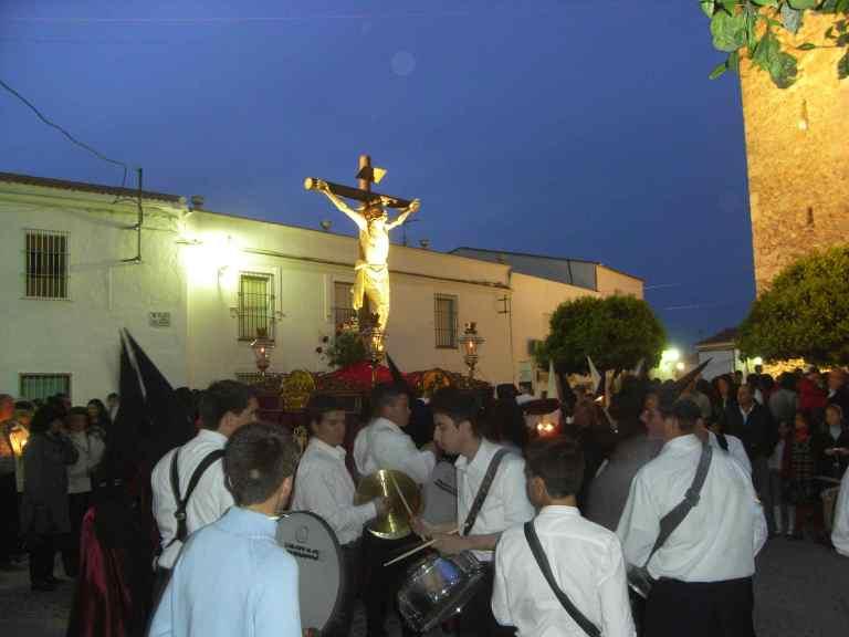 Todo el pueblo en la procesión