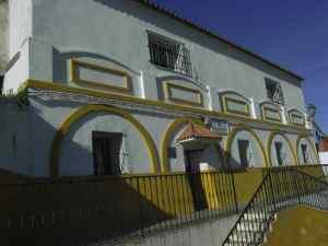 A la entrada del pueblo está el albergue de peregrinos