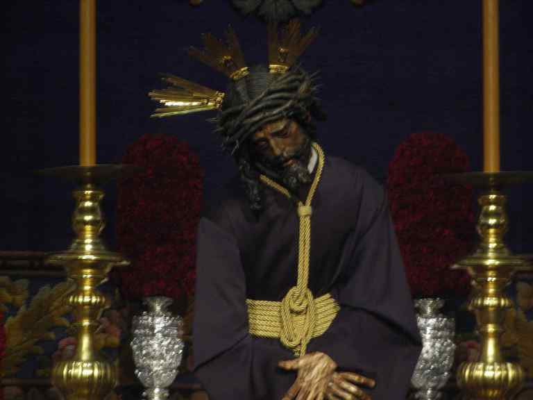 Jesús del Gran Poder preparado para procesionar