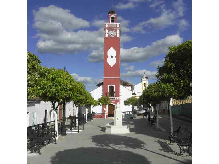 Una iglesia en Almadén de la Plata