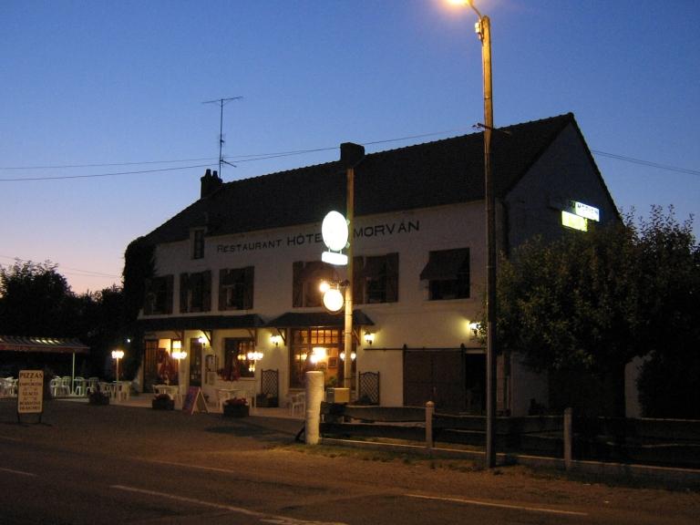 028 Hotel du Morvan a la Gare du Tannay 3