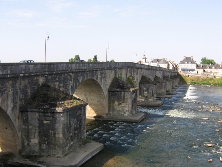 071 La Charité sur Loire