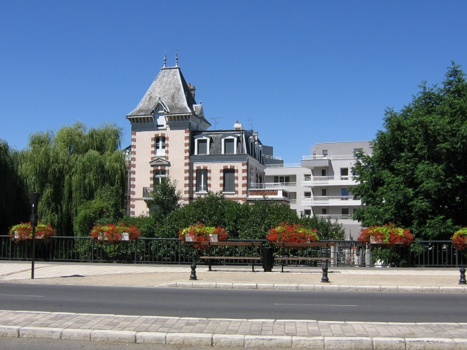 082 Bourges