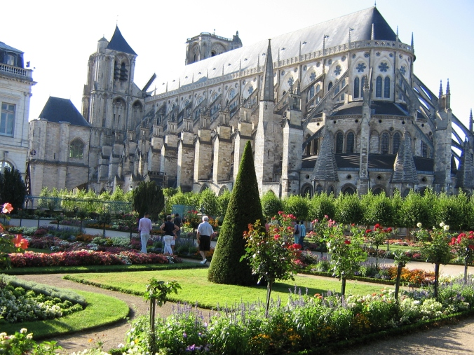144 Bourges