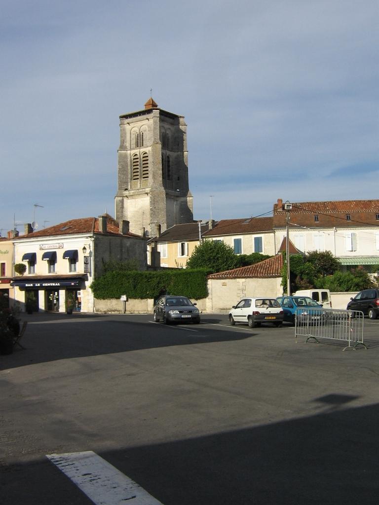 471 Saint Astier