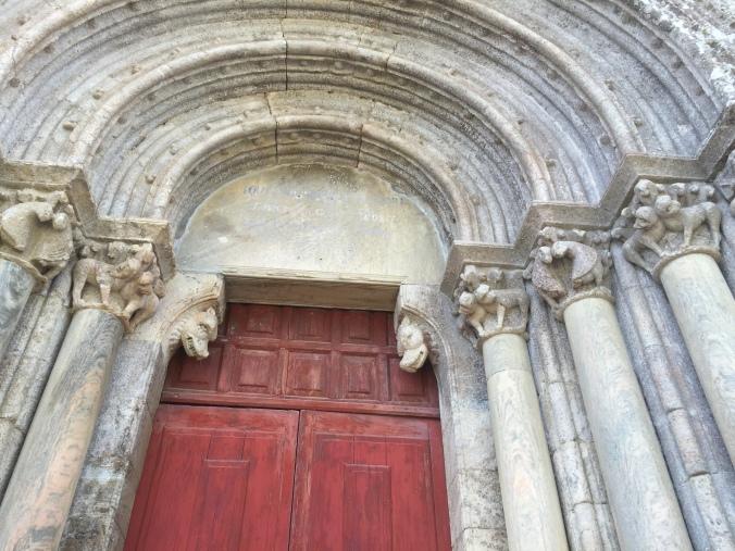 Portada iglesia de San Pelagio