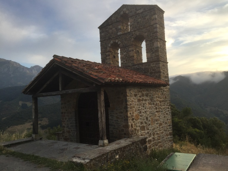 Ermita de San Miguel. Mirador sobre el valle