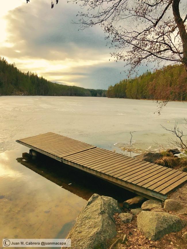 Parque nacional Helvetinjarvi. Lago Helvetin